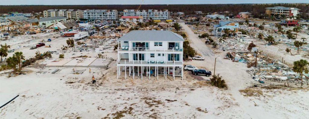 hurricane-destroy-beachside-home